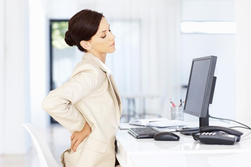 بعضی از افراد به علت نوع کارشان ساعتهای زیادی را در روز پشت میز به سر میبرند، این نوع نشستن طولانی در دراز مدت باعث کم تحرکی، اضافه وزن و بیماریهای مختلفی میشود.