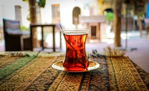 طبع چای سرد نیست! خواص و مضرات انواع چای در طب سنتی