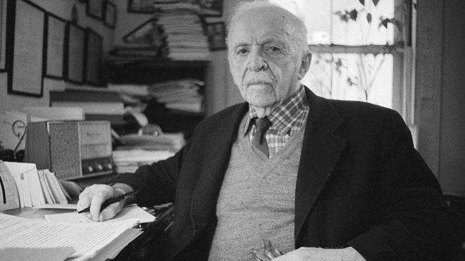 اداوارد برنیز، ملقب به پدر علم روابط عمومی و کسی که تمام عمر خود را در قرن بیستم مشغول دستکاری افکار عمومی بود