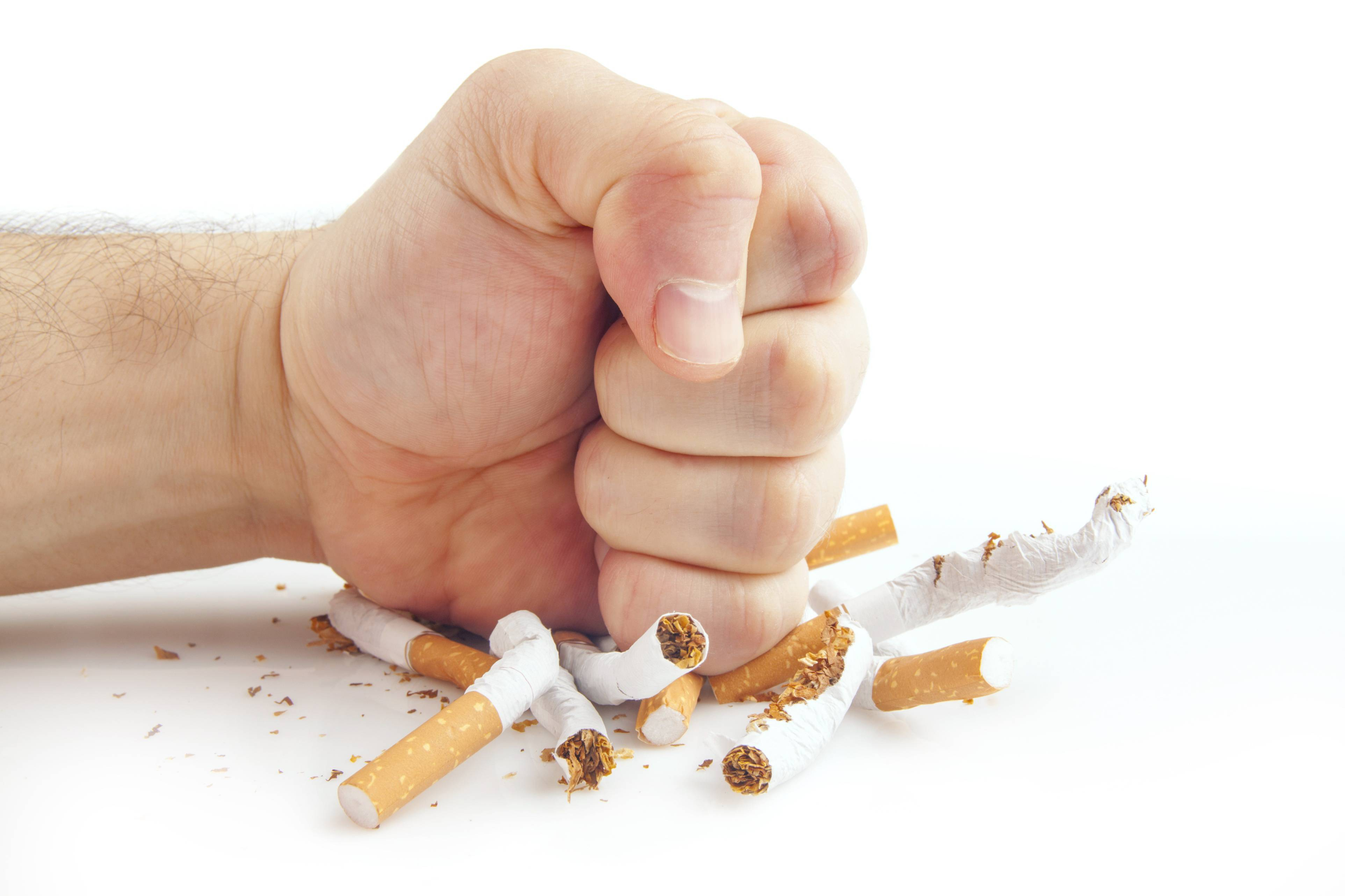 تخریب بدن با دود سیگار :