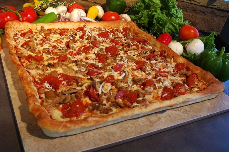 پیتزا چارگوش