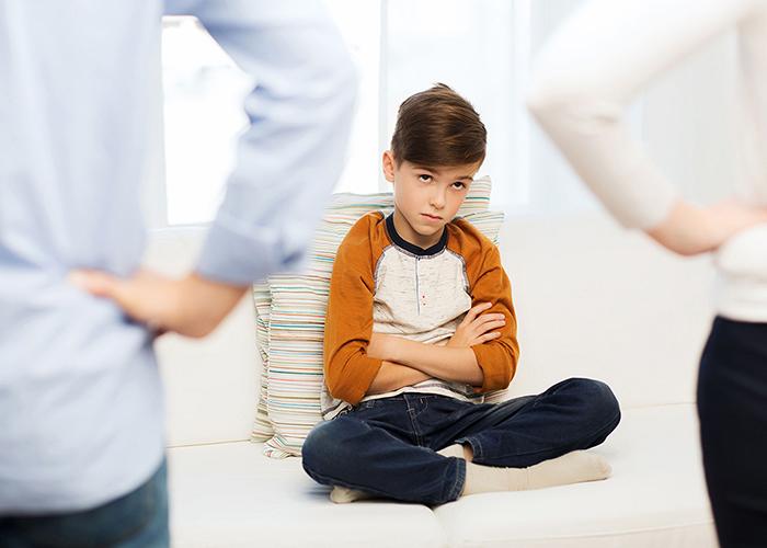 علت دستکاری بدن در کودکان