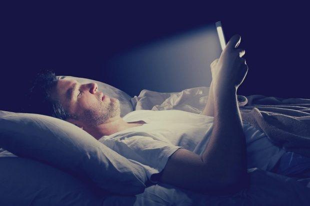 تاثیرات اینترنت بر خواب و سلامت