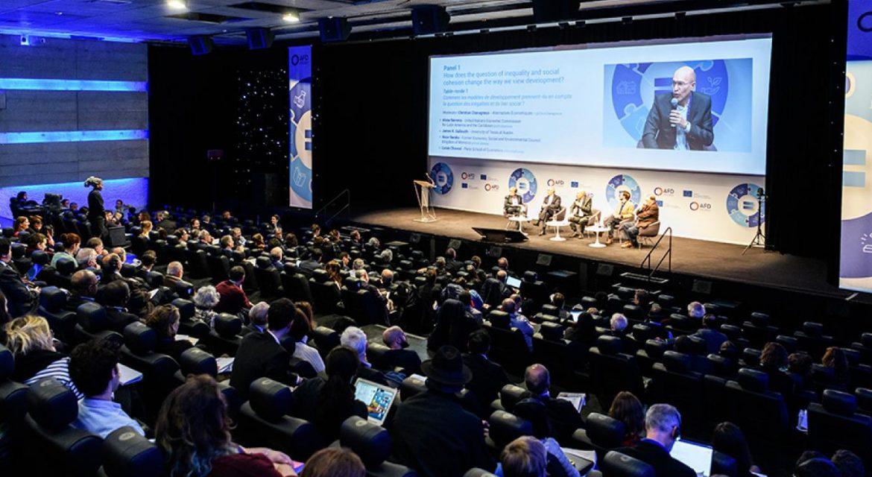 معرفی 10 کنفرانس هوش مصنوعی در دنیا که نباید از اخبار آن غافل شوید