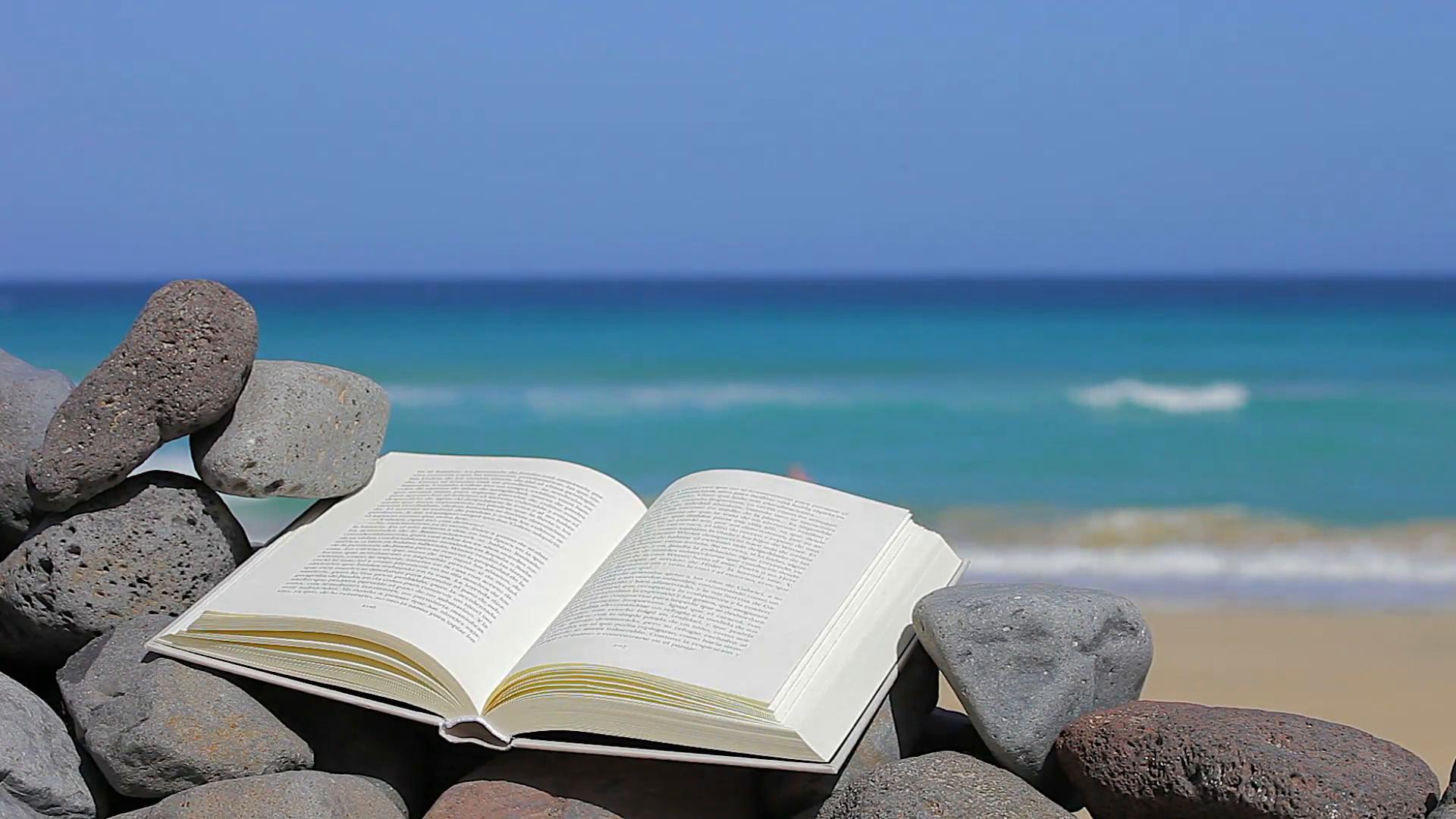 کتابی برای جزیره تنهایی