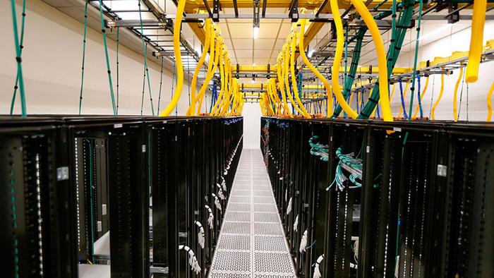 ۴۲ مقاله دربارهٔ زیرساخت فیزیکی مرکزداده (Data Center Physical Infrastructure)