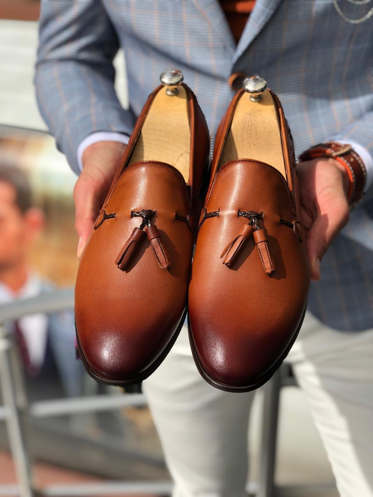کفش عسلی
