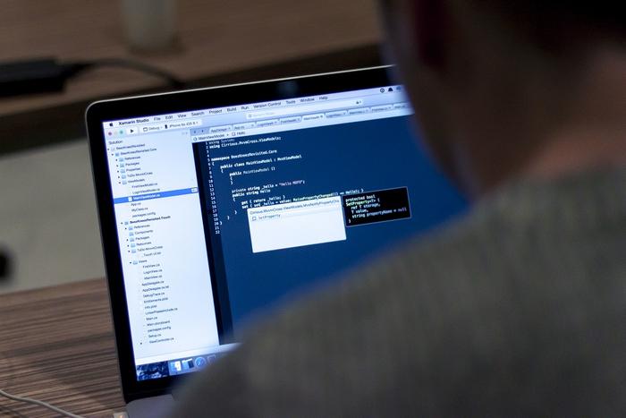 برنامه نویس تازه کار و قرنطینه طولانی