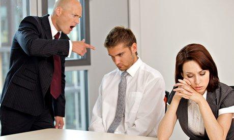 هیچ وقت خود را بالاتر و باهوش تر از مدیران نشان ندهید!