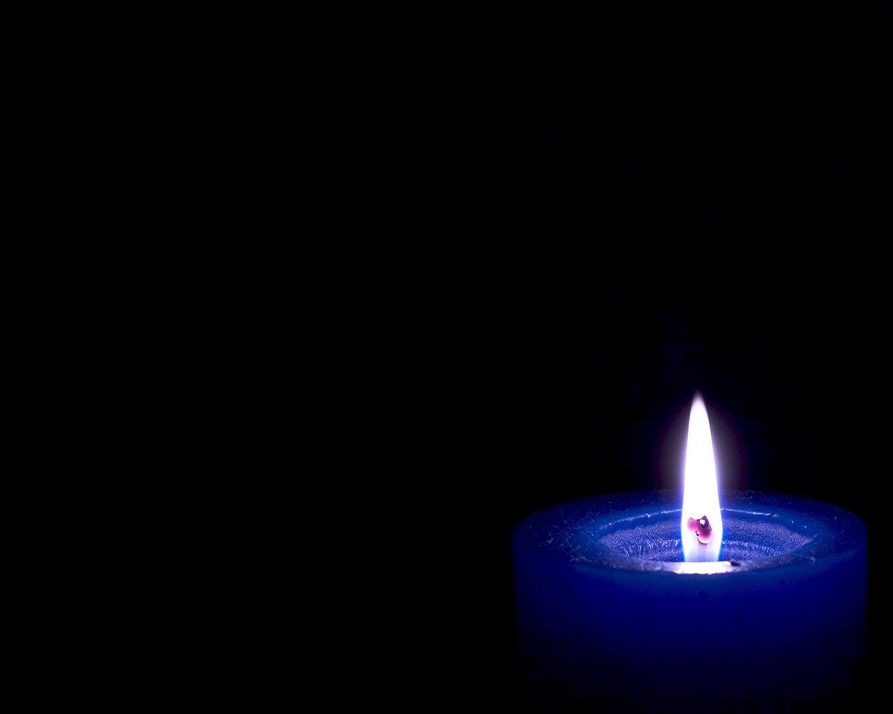 شمعی در بادم