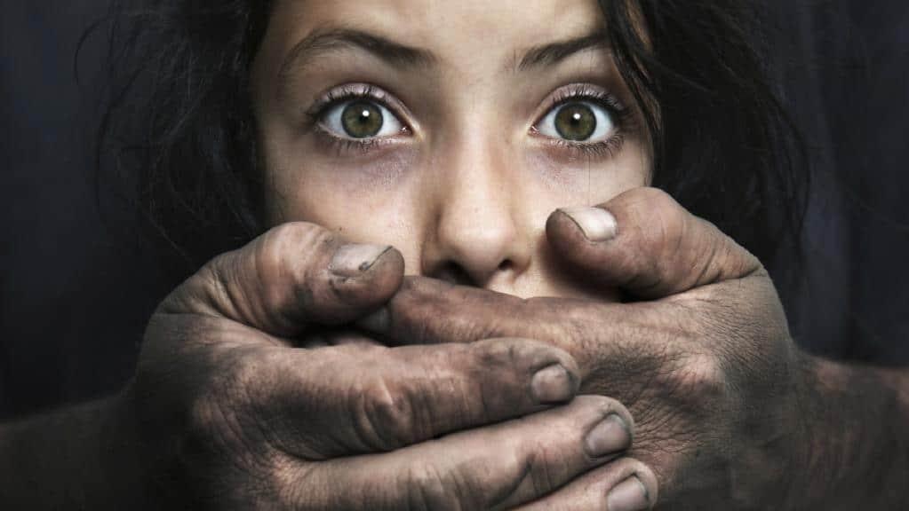 نکاتی که والدین باید به کودکان، برای در امان ماندن از آسیب های اجتماع بیاموزند...(ویدیو)