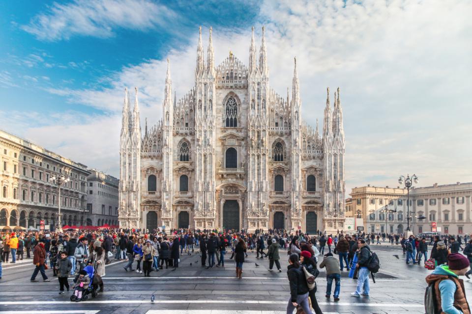 Piazza del Duomo, Milan, Italy Photographe: Shahram Jahansooz