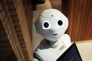 داستان رباتی به نام R1