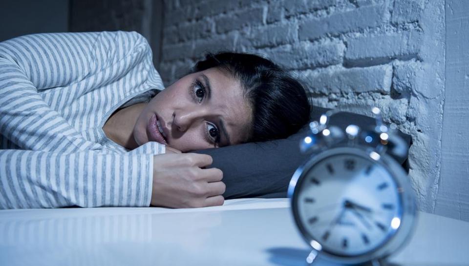 فریب های ذهنی برای غلبه بر بی خوابی