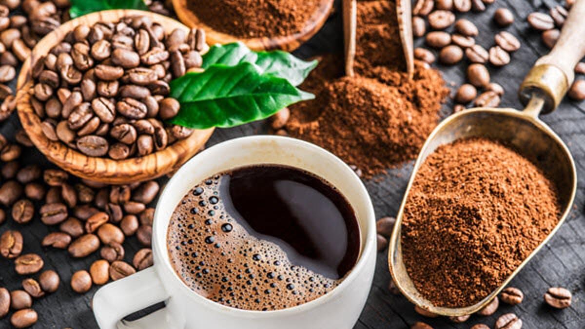 فواید سلامتی و خطرات ناشی از نوشیدن قهوه