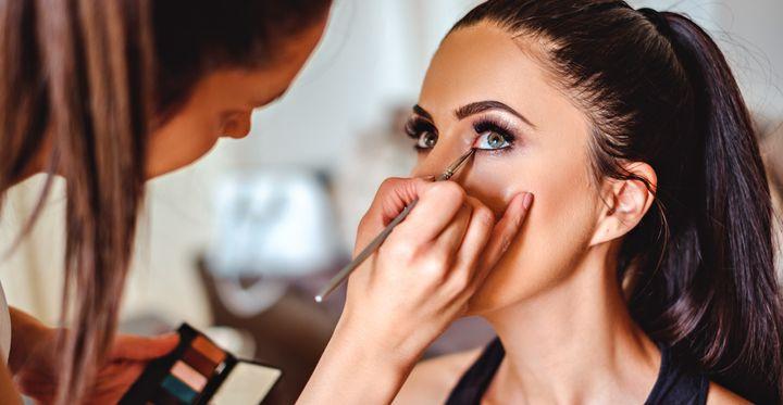 مدیریت ارتباط با مشتری در آرایشگاه (داستان)