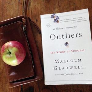 بررسی کتاب Outliers یا همان از ما بهتران! نوشته مالکولم گلدول Malcolm Gladwell