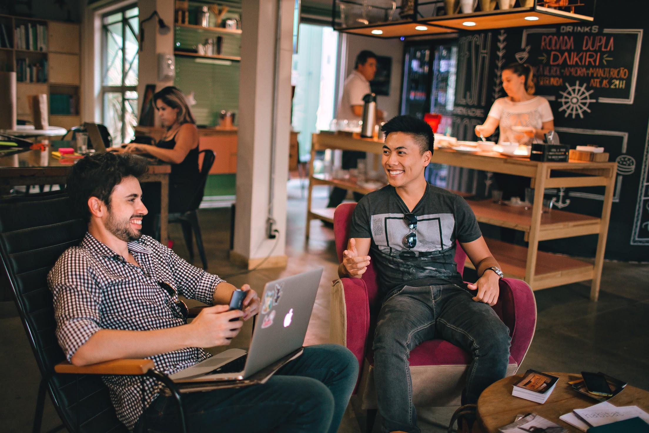 تاثیر قهوه بر بازدهی کار و مزیت کار در کافه