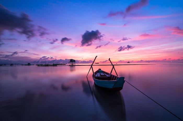 قایق زندگی