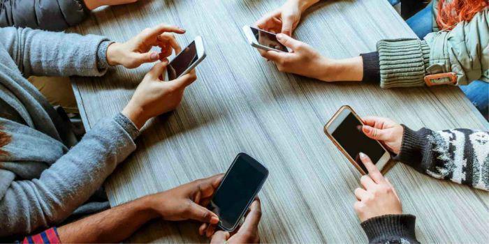 تغییر شکل جمجمه در استفاده زیاد از تلفن همراه!