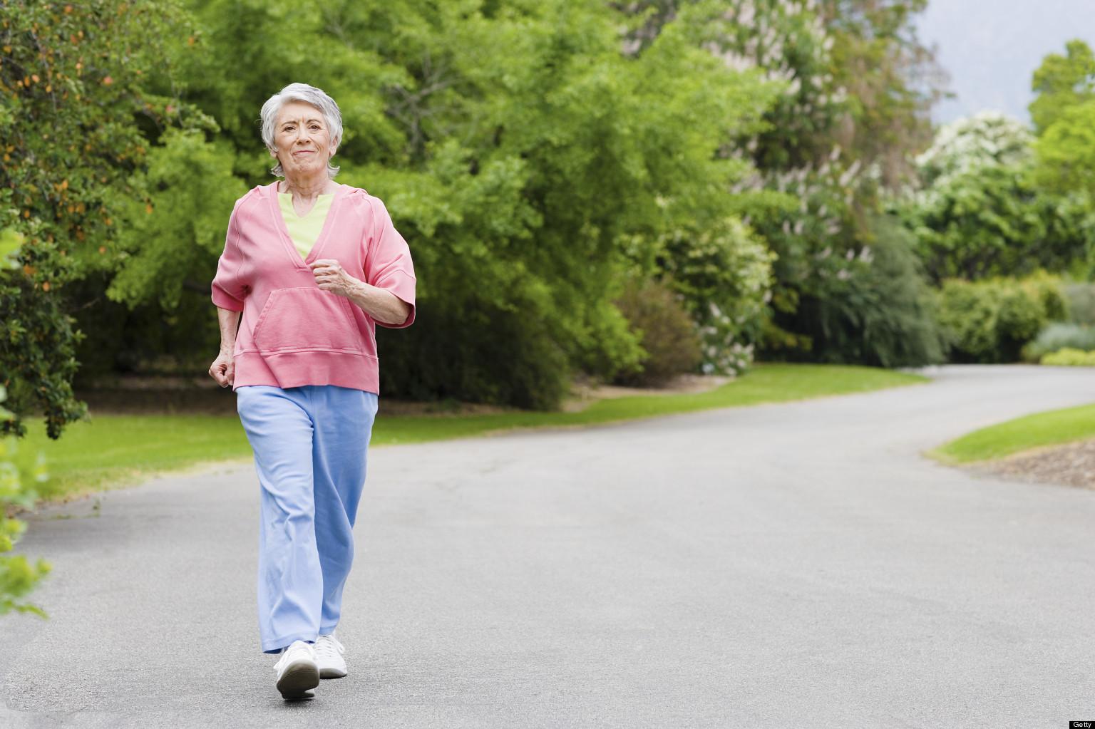 چه نوع فعالیت بدنی میتواند سرعت رشد آلزایمر را کند کند؟