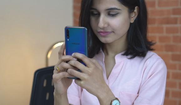 مشخصات و راهنمای خرید گوشی موبایل A10 سامسونگ | Samsung Galaxy A10