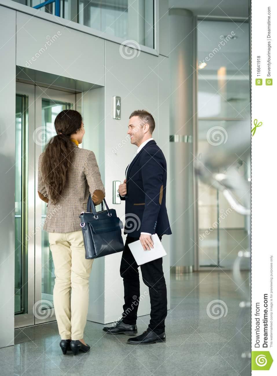 معرفی آسانسوری (Elevator Speech) چیست ؟