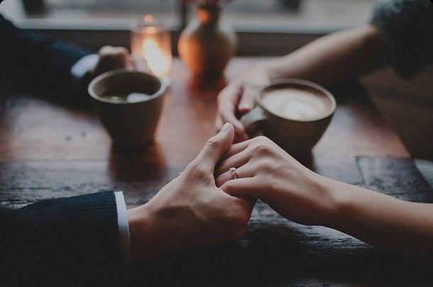 گفتگوی راحت و آزاد در عشق بلوغیافته