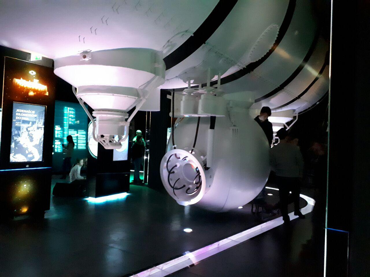 شبیهسازی زیردریایی که همه را به سمت خودش جذب میکرد.