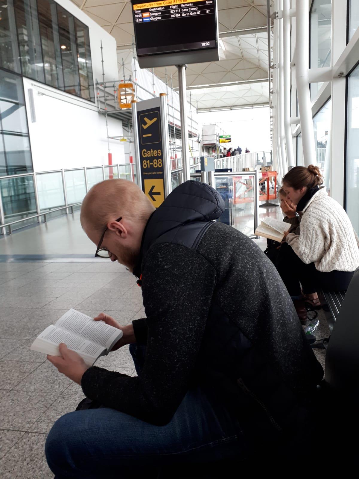 در فرودگاهی در لندن
