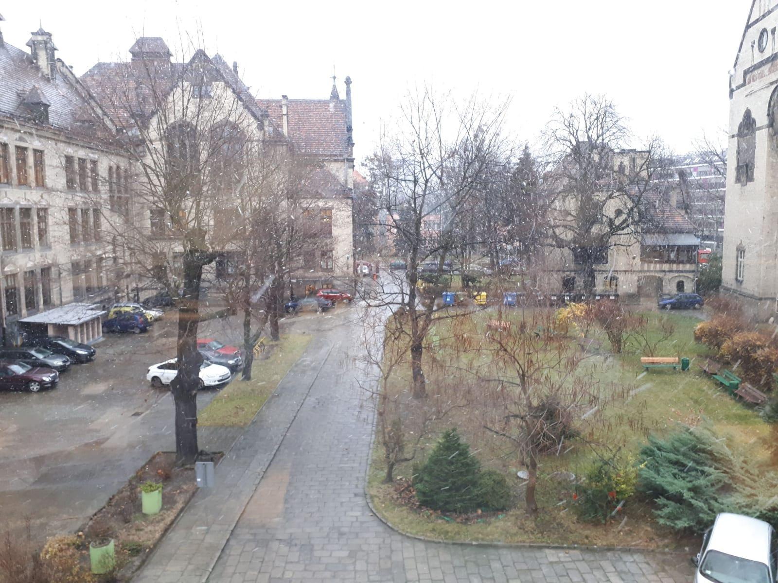 منظره یک روز برفی، دفتر کارم در وراتساوا، لهستان