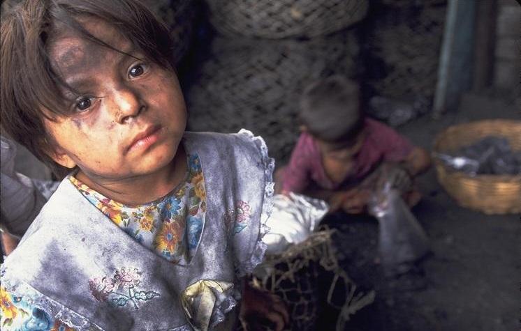 فروش دختران به اتباع خارجی!/ فرزندان زنان ایرانی و مردان خارجی در سراب هویت