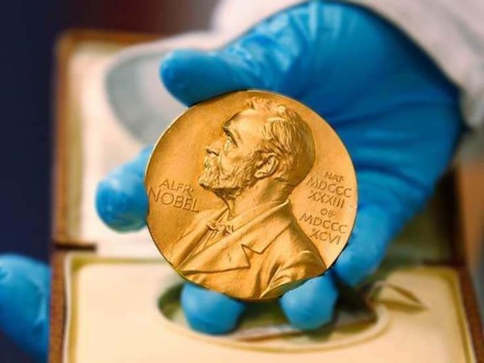 معیارهای نوبل ادبیات برای انتخاب برنده ها چیست؟