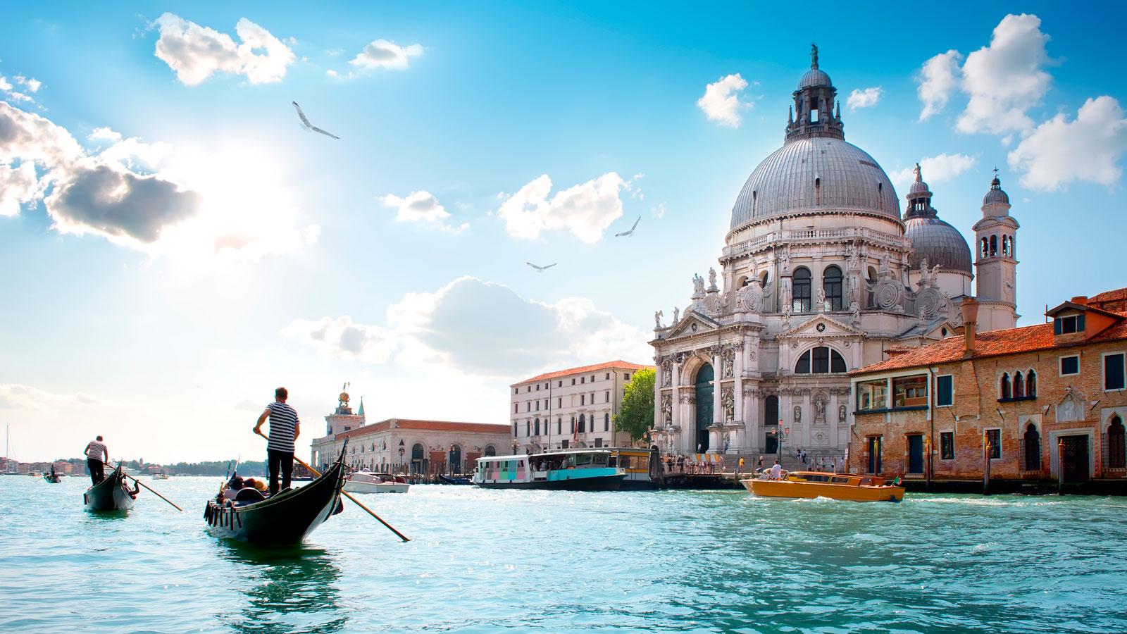 ایتالیا چی داره همه می رن؟