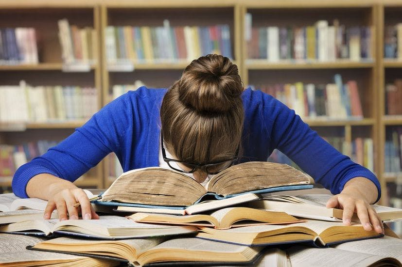 حقیقت ساده چگونگی خواندن ۲۰۰ کتاب در سال!