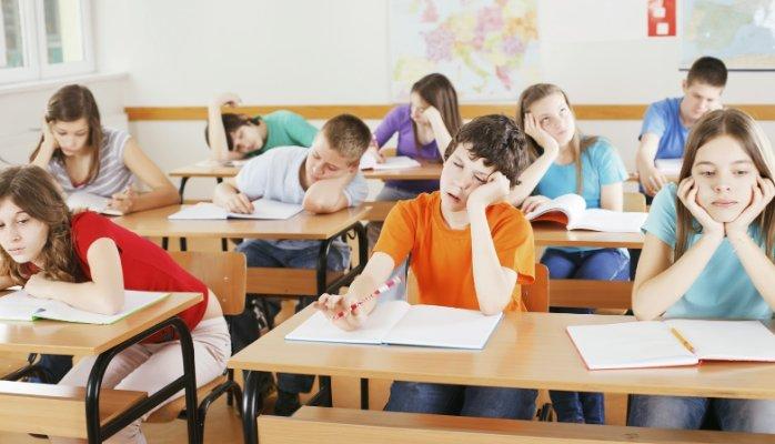 معلمی کردم ندانستم همی، کز کشیدن سختتر گردد کمند!