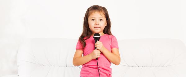 خجالت نکش... بیا یه شعر واسه عمو بخون!