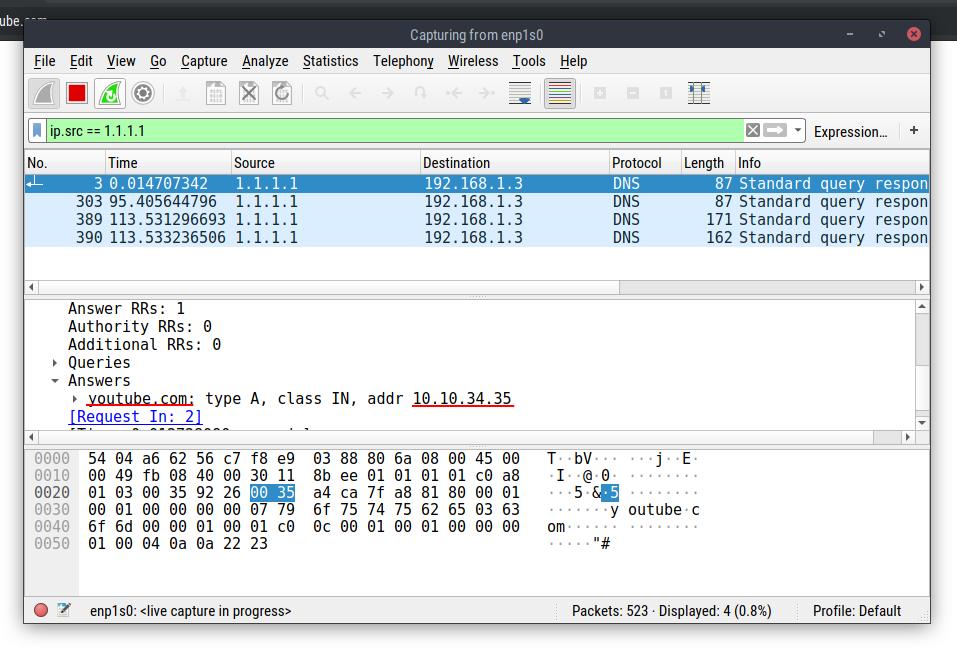 پکت مربوط به DNS Query یوتیوب؛ که آیپی پیوندها رو به جای آیپی یوتیوب در اون میبینیم!