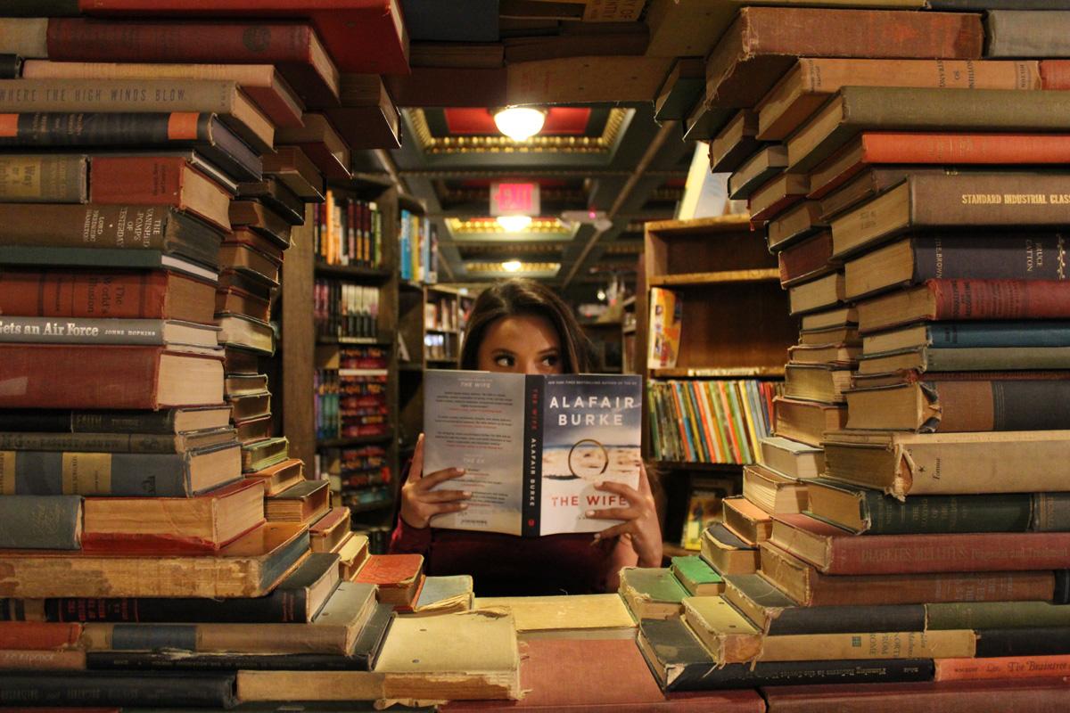 چطوری از نمایشگاه کتاب، کتابهای ارزان و بهدردبخور بخریم؟