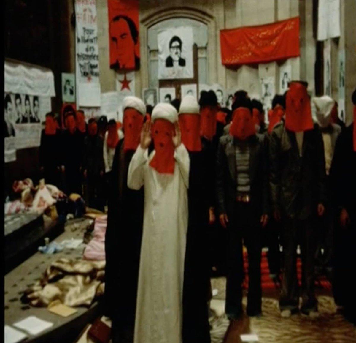نماز جماعت چپها و اسلامگراها در کلیسایی در فرانسه در ماجرای انقلاب ۵۷