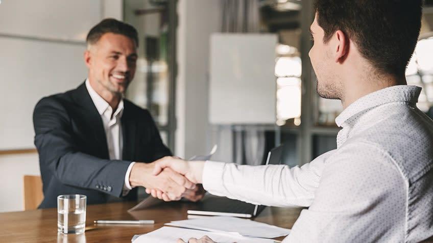 10 سوال پرتکرار در مصاحبه کاری و نحوه پاسخگویی به آن ها