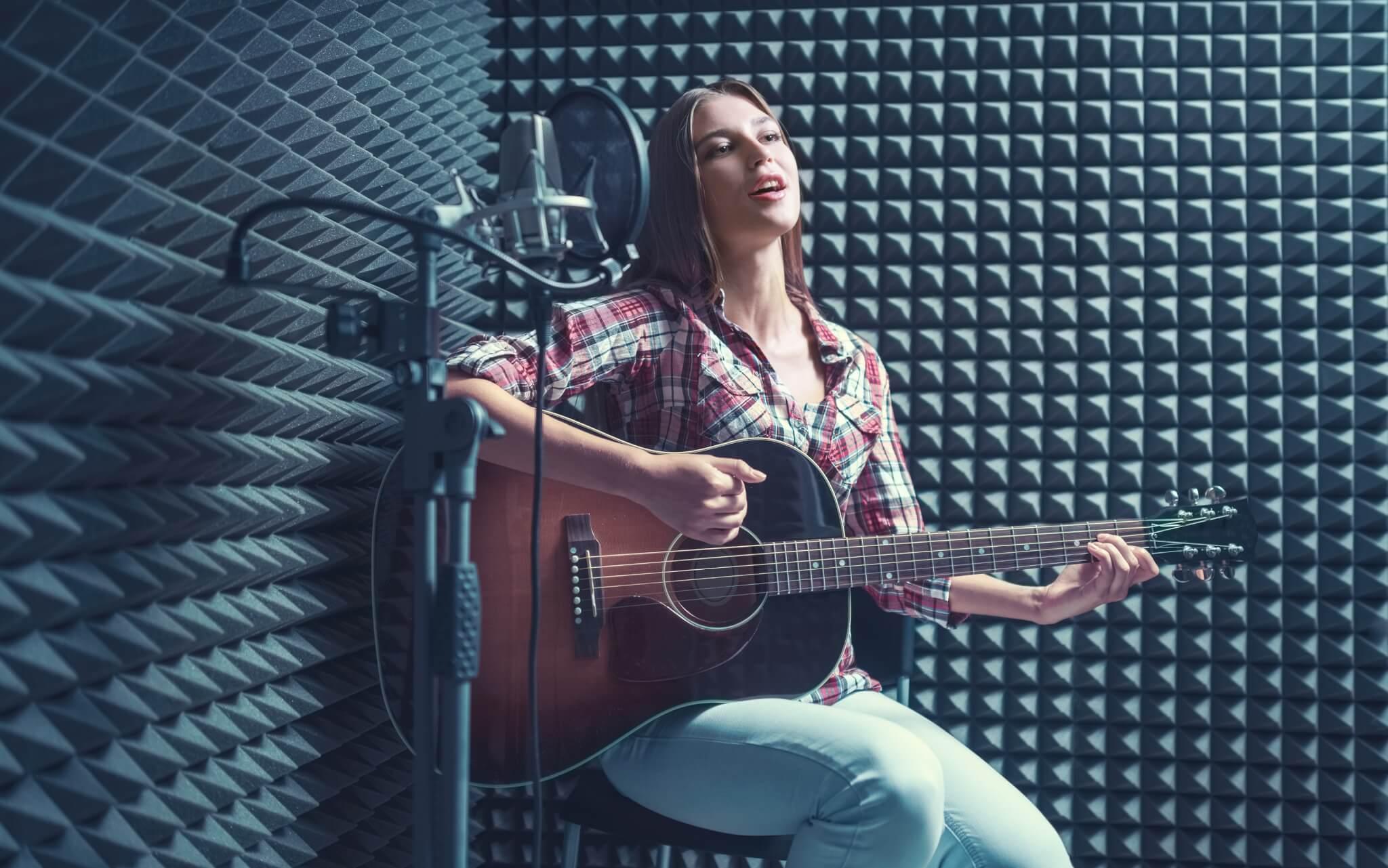 نوآوری در صنعت موسیقی: آهنگسازی با ریتم بلاکچین در استودیوی اتریوم