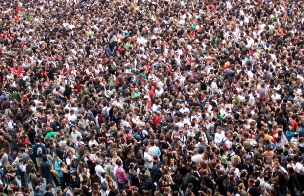 برخلاف تصور رایج، جمعیت ایران با سرعت در حال افزایش است.
