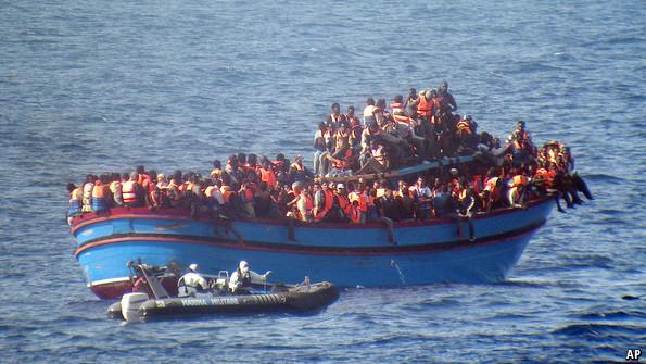 مهاجرت با کمک اصغر آقا - داستانی که واقعا دلیلی ندارد که بخوانید