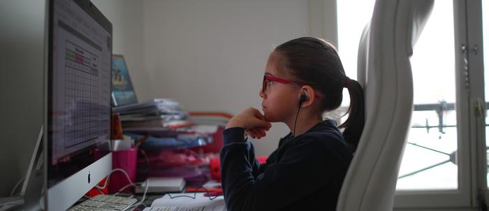 دانش آموزان از طریق آموزش آنلاین مفاهیم درسی را تا حدود 60 درصد بهتر یاد می گیرند