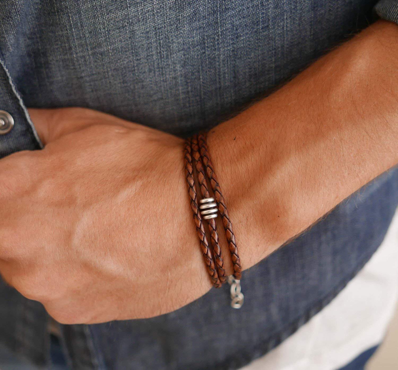هنگام خرید دستبند چرم باید به چه نکاتی توجه کرد؟