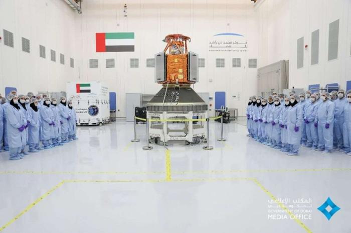 امارات متحده فضایی !