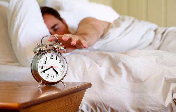 چگونه صبح ها زودتر از خواب بیدار شویم :)) ؟