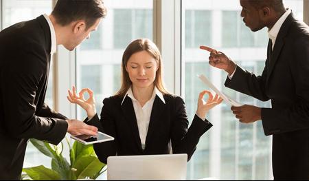 هوش هیجانی چیست و چه تاثیری بر موفقیت شغلی شما دارد؟