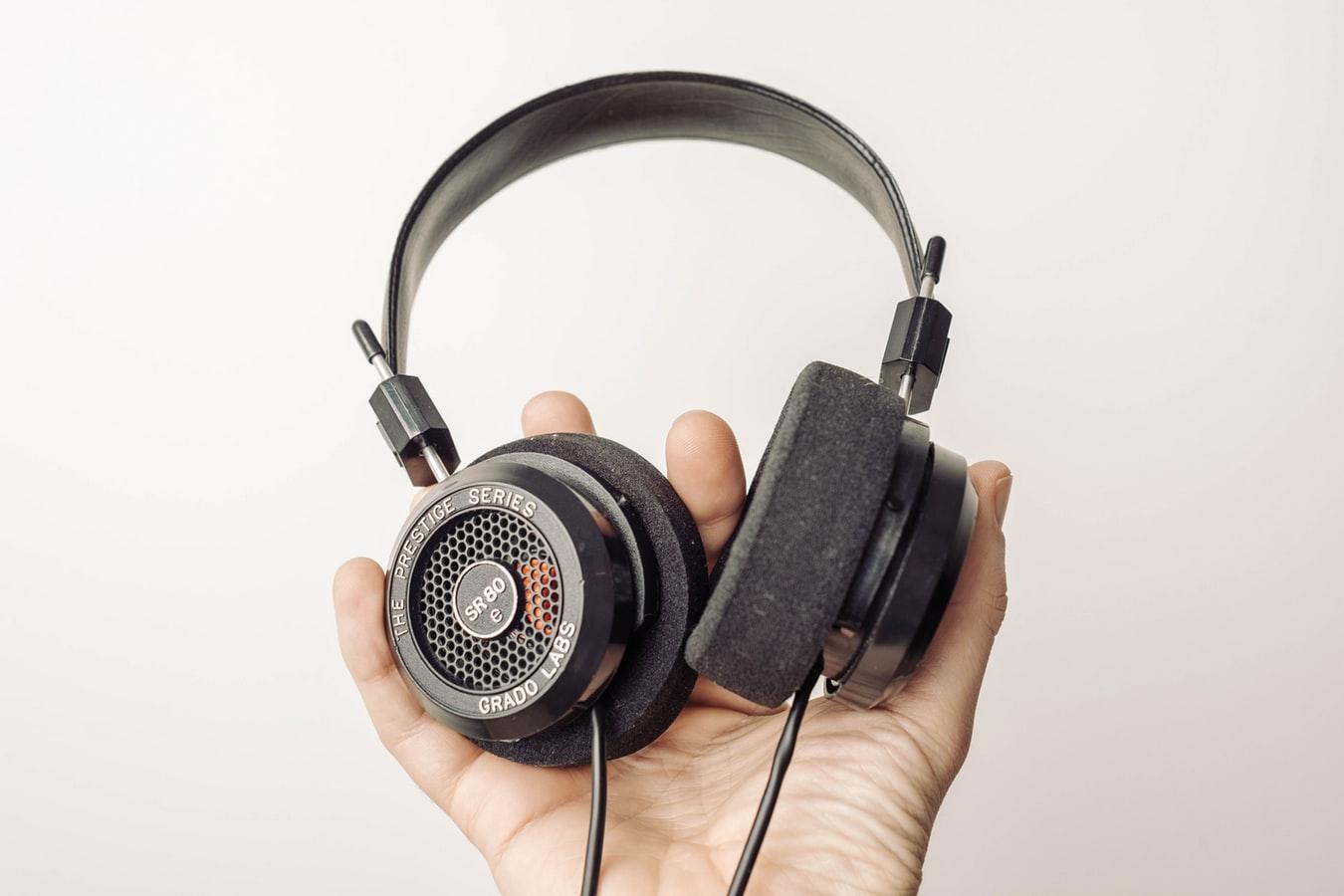 🎧چگونه مهارت شنیداری انگلیسی خود را تقویت کنیم؟
